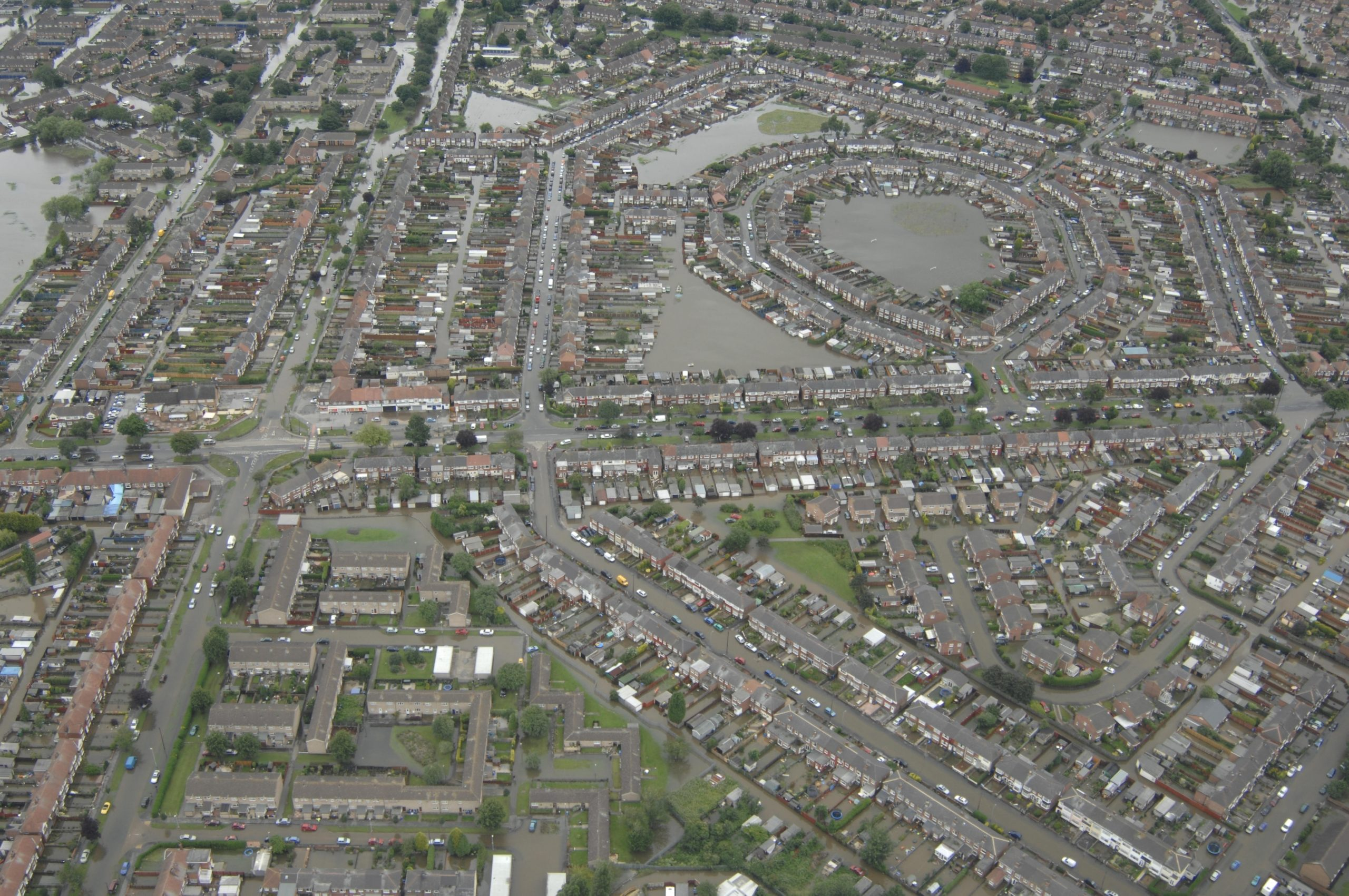 An aerial view of Bristol Road Area of Hull during the 2007 Floods credit Environment Agency